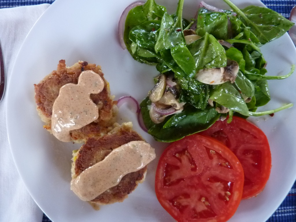 Delicious crab cakes. Easy to make recipe and they are absolutely the best tasting crab cakes! | joeshealthymeals.com