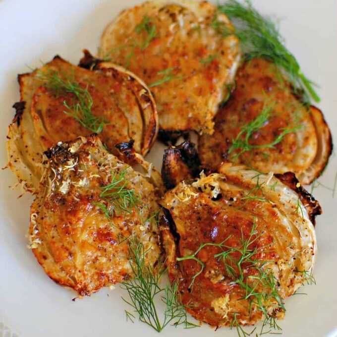 Roasted fennel. Create a tasty, crunchy side dish with this easy recipe. | joeshealthymeals.com