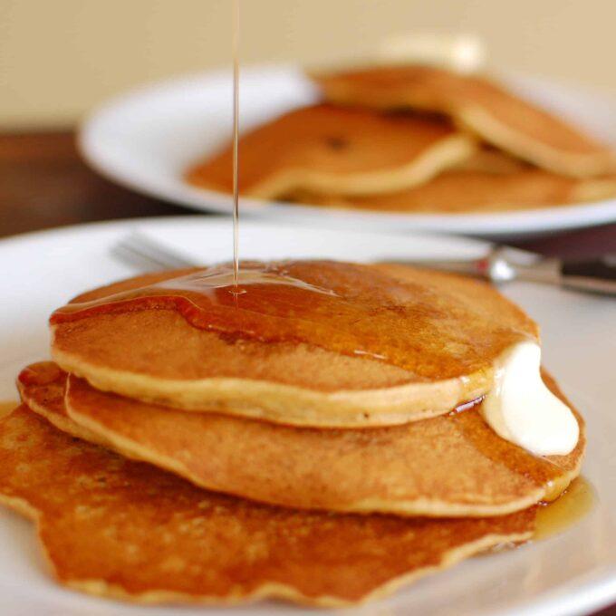 Whole grain pancake recipe. Make your own pancake mix.   joeshealthymeals.com