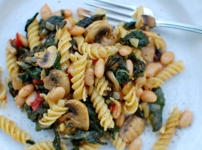mushroom pasta   joeshealthymeals.com