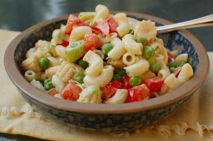 Easy Peasy Pasta Salad   joeshealthymeals.com
