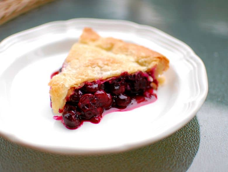 yummy blueberry pie