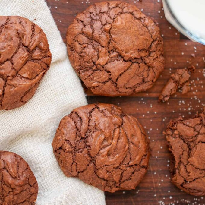 close-up of chocolate cookies on a cutting board