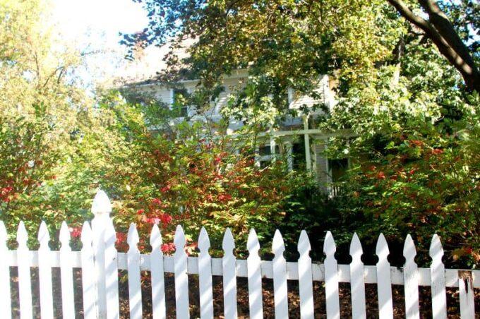 Jessica Lange's old house | joeshealthymeals.com