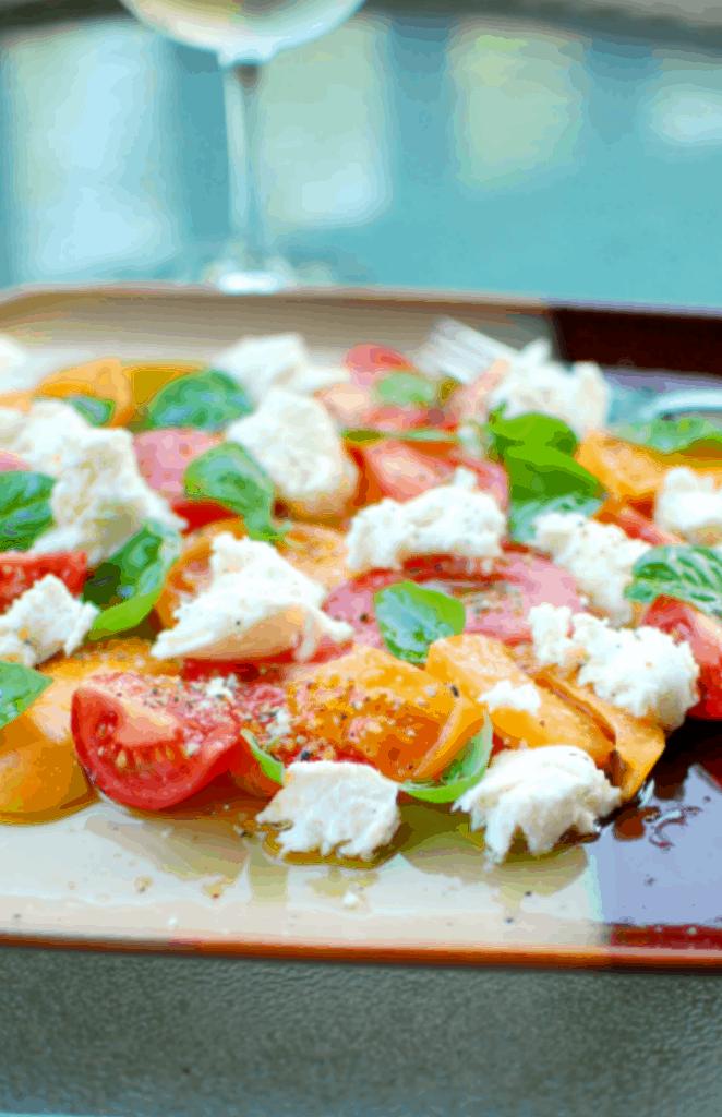 easy caprese salad | joeshealthymeals.com