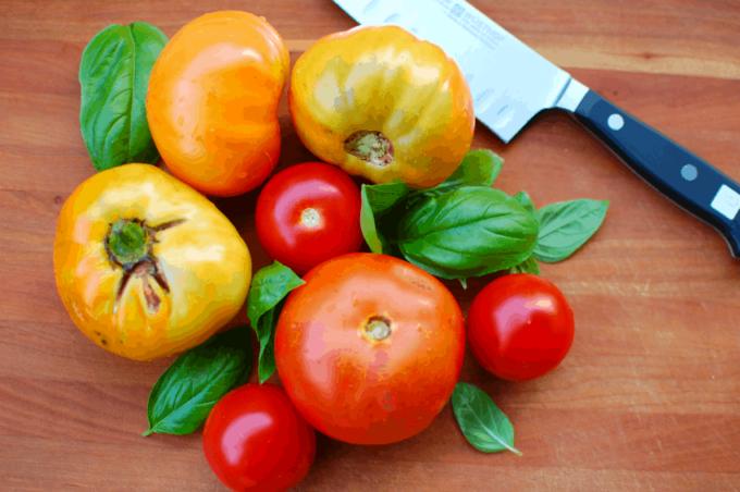 caprese salad vegetables | joeshealthymeals.com