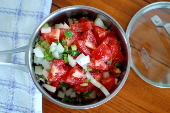 Homemade Salsa Roja - easy recipe.   joeshealthymeals.com