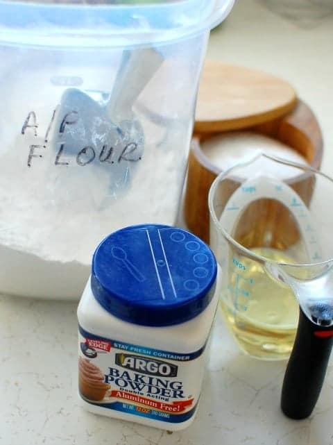 Easy flour tortillas ingredients.   joeshealthymeals.com