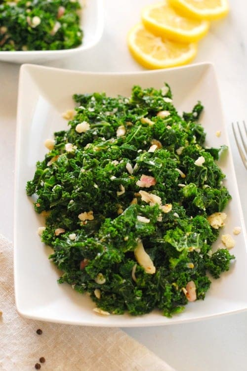 Lemony curly kale salad. This substantial salad is nutritious and tasty. | joeshealthymeals.com