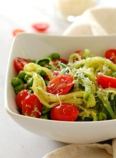 Zucchini noodles. A healthy alternative to regular pasta. Just add your favorite toppings. | joeshealthymeals.com