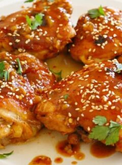 Soy honey glazed chicken thighs. Scrumptiously delicious, tender, moist chicken thighs. You have got to try THIS recipe! | joeshealthymeals.com
