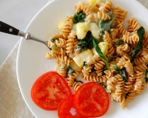Pasta with potatoes. Easy and satisfying vegetarian dish. | joeshealthymeals.com