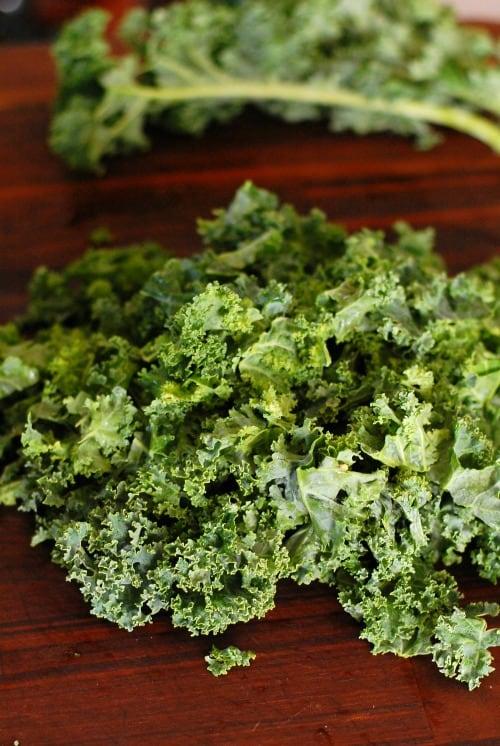 Raw, torn kale. | joeshealthymeals.com