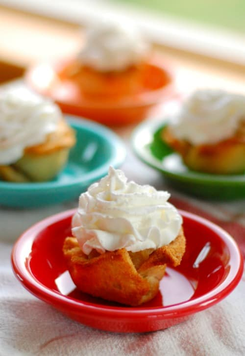 Applesauce pineapple toasted bread cups