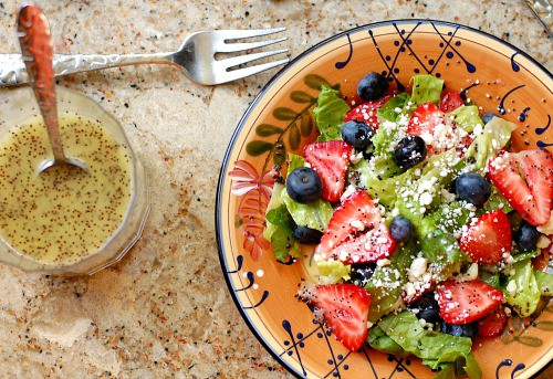 Berry salad with homemade poppy seed dressing. Refreshing summertime salad that everyone loves. Great dressing recipe. | joeshealthymeals.com
