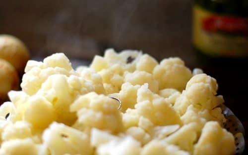 Steamed cauliflower