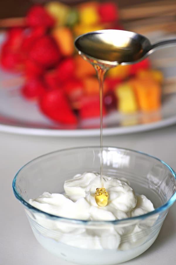Yogurt dip with honey