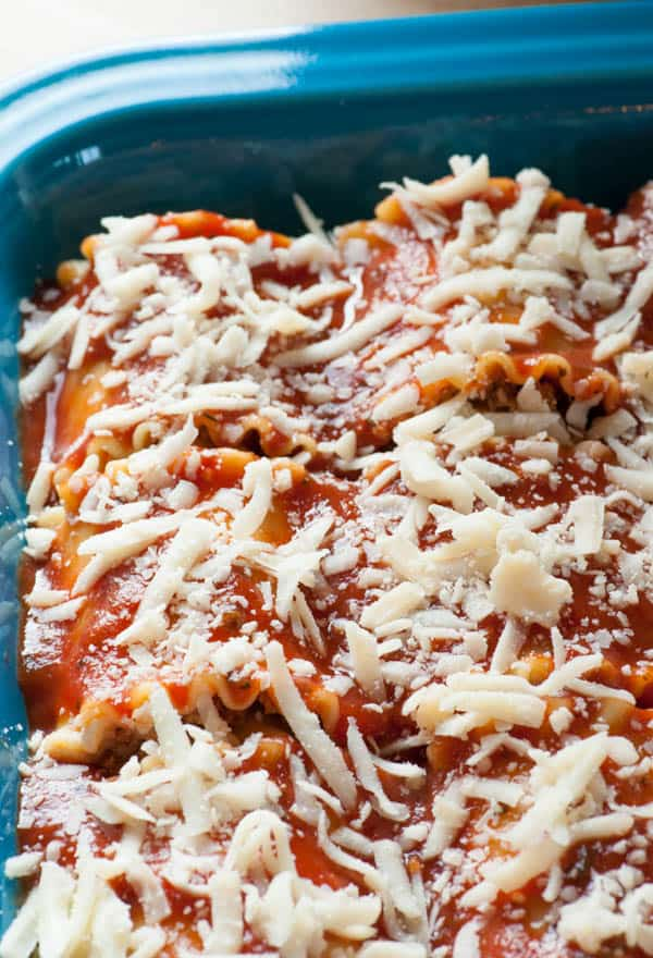 Italian sausage lasagna roll ups. Wonderfully delicious! | joeshealthymeals.com