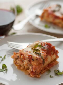 Italian sausage lasagna roll ups. So good they are Wonderfully Delicious! | joeshealthymeals.com