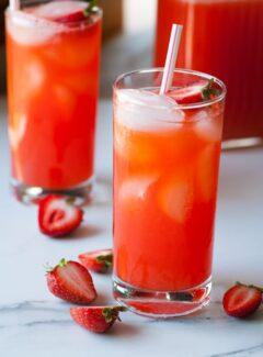 Strawberry lemonade. So refreshing on a hot summer day.   joeshealthymeals.com