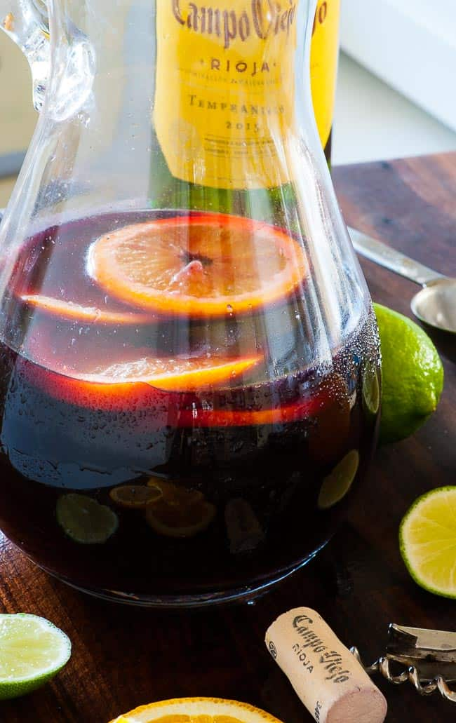 Summer sangria spritzer. Just the most refreshing summer drink there is.   joeshealthymeals.com
