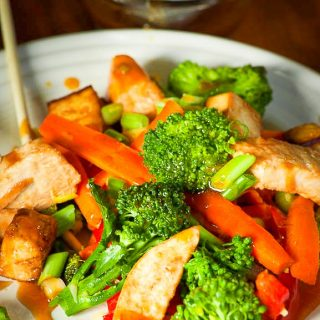 Vegetable stir fry with chicken. Tasty recipe for an Asian inspired meal. | joeshealthymeals.com