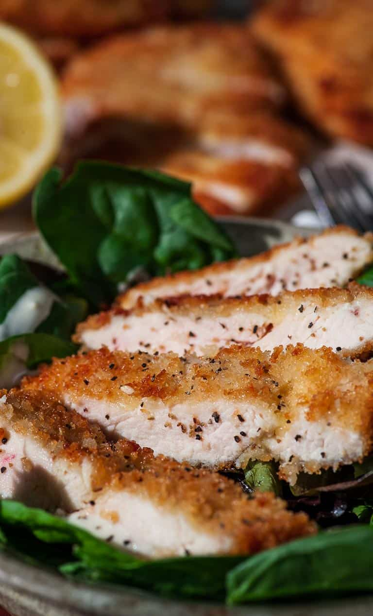 Breaded crispy chicken cutlets. Surprisingly easy to make and perfect for a weeknight meal. | joeshealthymeals.com