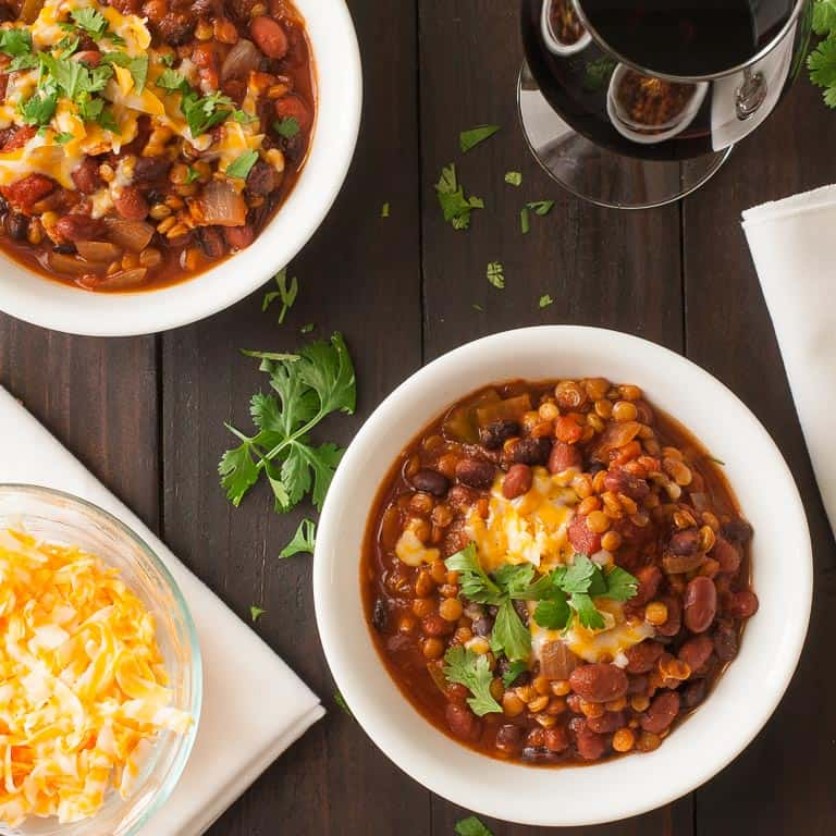 Recipe:Stovetop Lentil Chili. Easy to make, low-calorie and tastes fantastic. You won't miss having any meat in it. | joeshealthymeals.com
