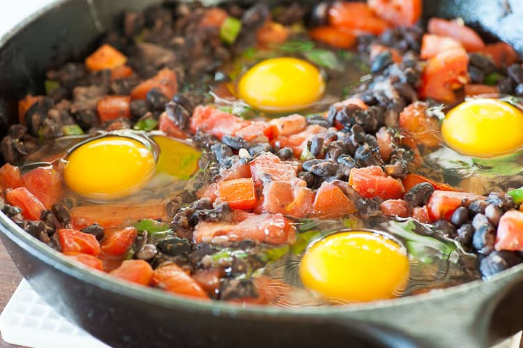 Rancheros is a perfect breakfast which has loads of protein and staying power to get you through the day. | joeshealthymeals.com