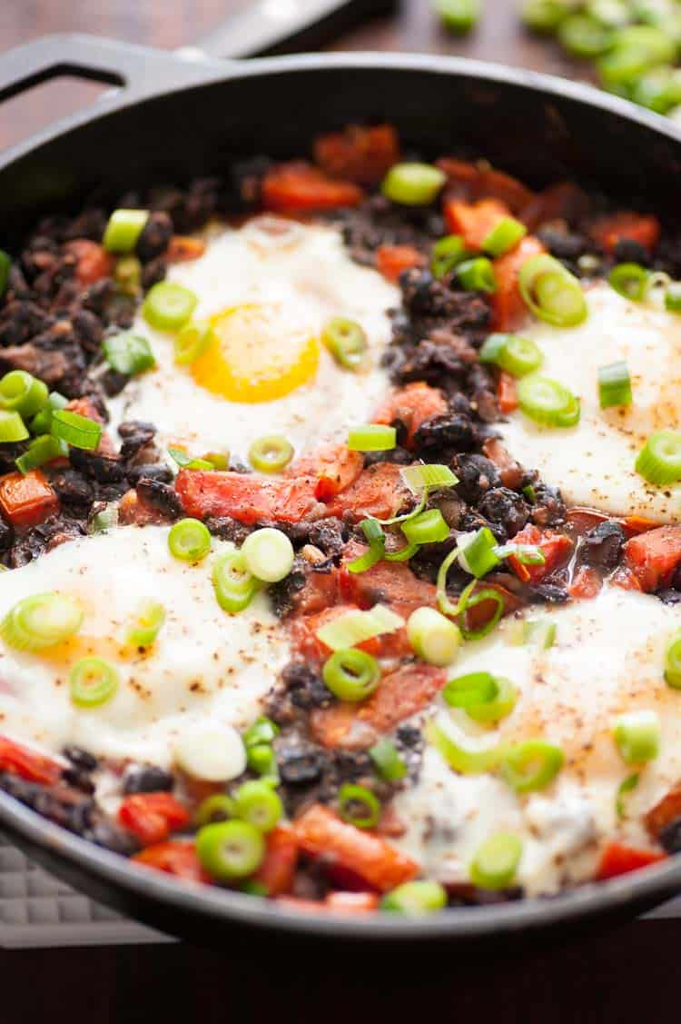 Easy black beans rancheros with fried egg is a perfect breakfast. | joeshealthymeals.com