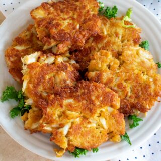 plate of crab cakes
